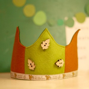 red caboose felt crown